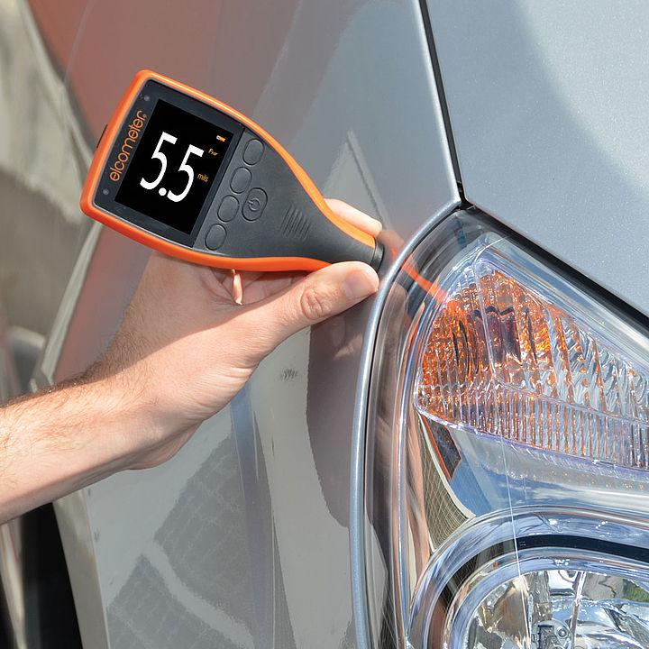 Digitálny hrúbkomer pre automobilový priemysel
